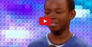 طفل افريقي صوته رائع يغني ويبكي ... برنامج المواهب البريطانية - بريطانيا غوت تالنت