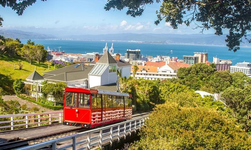 بالصور ..  السياحة في عاصمة نيوزيلندا على خطى الأمير هاري وميغان ماركل
