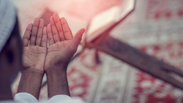 مصر: قراءة هذه السورة بعد الفجر يجعل الله يستجيب لك