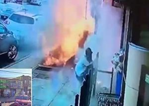 بالفيديو  ..  انفجار ضخم من تحت الأرض يصيب أحد المارة بنيويورك