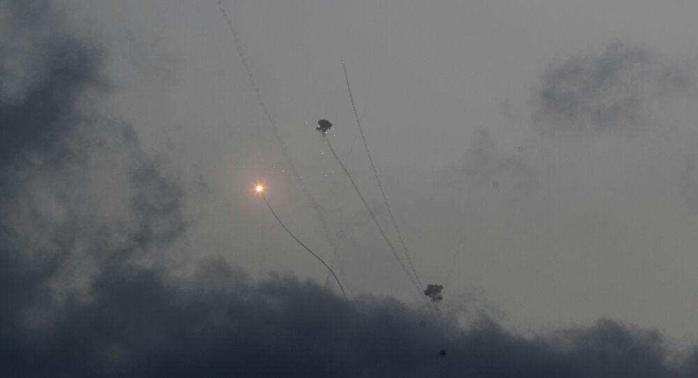 مقتل إسرائيلية متأثرة بإصابتها بعد سقوط صاروخ على تل أبيب الثلاثاء الماضي