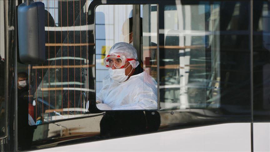 طبيب و باحث مختص بالأمراض الفايروسية مُحذراً الأردنيين: انتبهوا أعداد إصابات كورونا في المملكة أعلى من الولايات المتحدة