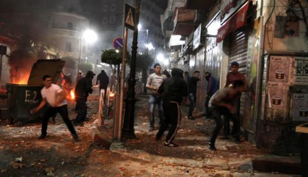 عشرات حالات الاختناق بالغاز خلال مواجهات مع الاحتلال في مخيم العروب
