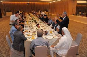 بالصور مأدبة إفطار للشهر الفضيل أقامتها كنيسة الروم الأرثوذكس للمجتمع المحلي بالعقبة