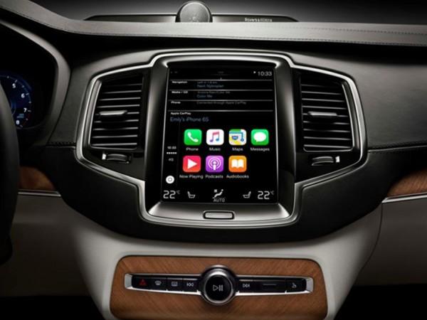 """لماذا يفضِّل الخبراء """"مالتيميديا"""" الهواتف الذكية على الأنظمة المدمجة بالسيارات؟"""