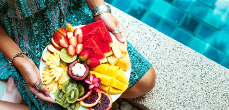 بالفيديو  ..  أكثر من تناول هذه الأطعمة في فصل الصيف