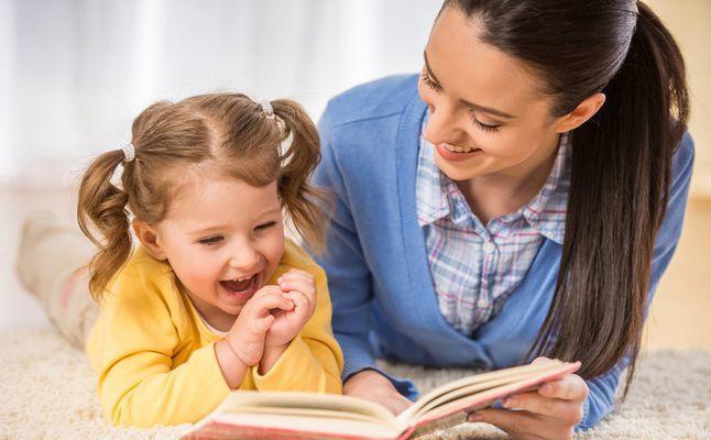 أهمية القراءة للأطفال في بناء الشخصية