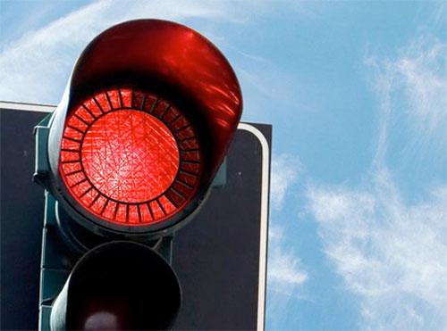 7 ملايين دينار قيمة مخالفات قطع الاشارة الحمراء