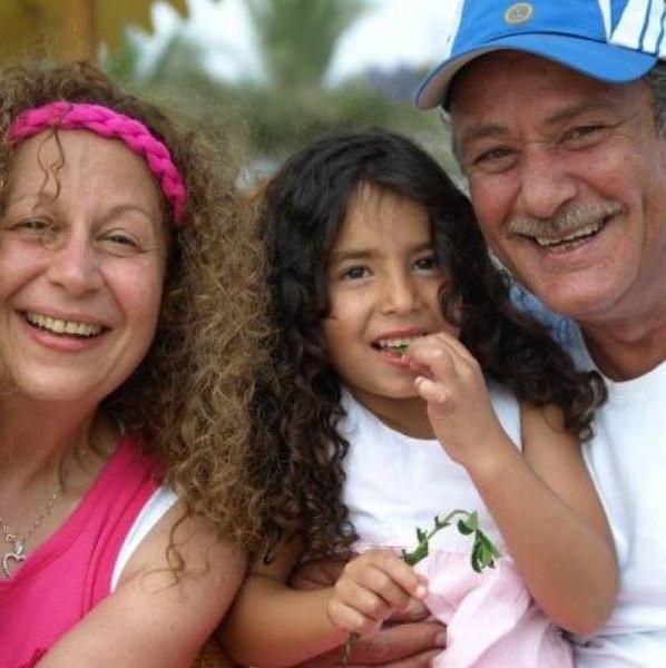 ابنة أحمد الفيشاوي توجه رسالة مؤثرة له بعد صدور حكم بحبسه