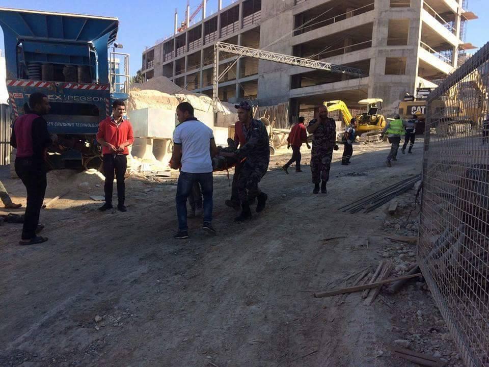 بالصور .. إصابة (11) اشخاص في انهيار توسعة بمكة مول
