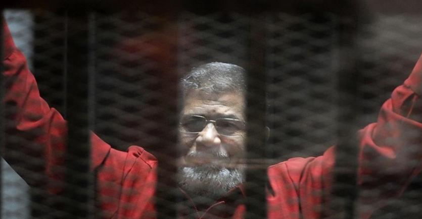 علامتان ترفعان احتمالات أن يكون مرسي قد مات اغتيالاً