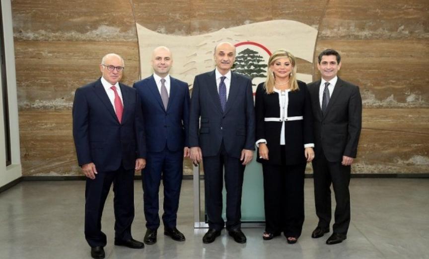 جعجع يعلن استقالة وزراء القوات من الحكومة اللبنانية