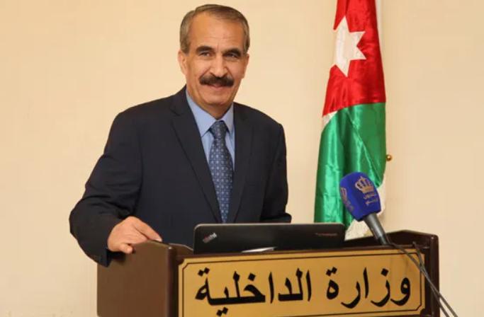 """وزير الداخلية يؤكد على منع إقامة الحفلات و """"بيوت العزاء"""" بأعداد تزيد عن 20 شخصاً"""