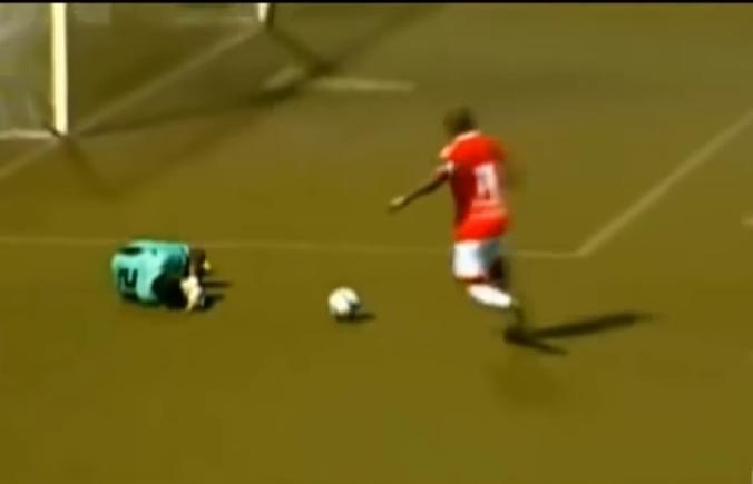 بالفيديو  ..  اسوأ 10 اهداف غير أخلاقية فى كرة القدم
