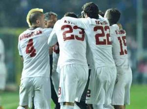 فيديو: روما يفوز علي اتالانتا ويواصل مطاردة يوفنتوس في الدوري الايطالي
