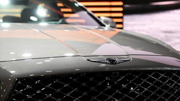 أفخم سيارات (Genesis) تصل السوق الروسية