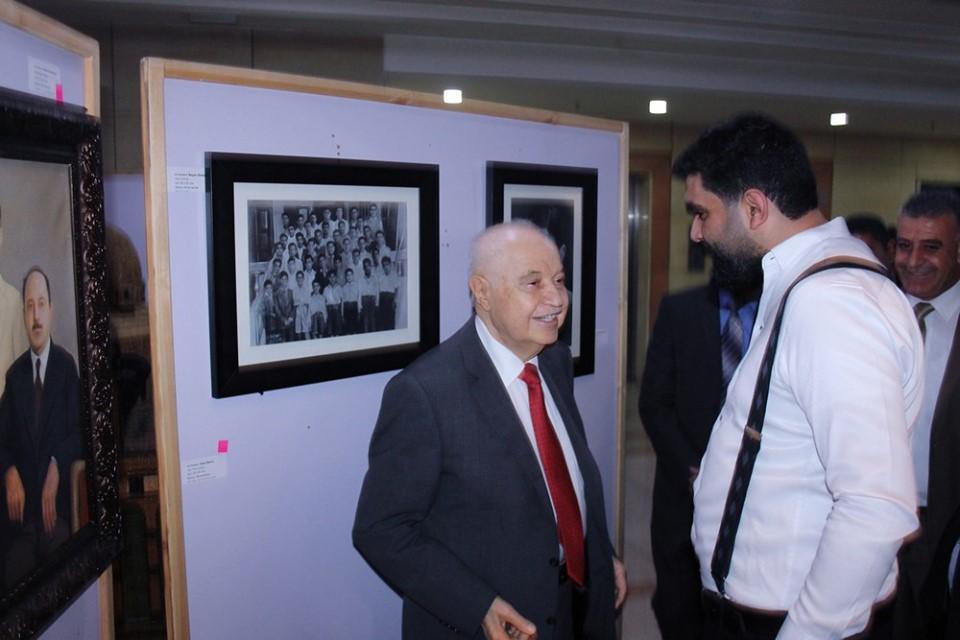 """بالصور  .. إشهار كتاب """"طلال أبوغزالة ..  رجل من المستقبل"""" للدكتور جواد العناني"""