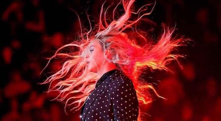 من هي المغنية العالمية الأعلى دخلاً؟