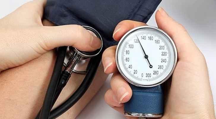 ما العلاقة بين امراض الكلى والسكري وضغط الدم؟
