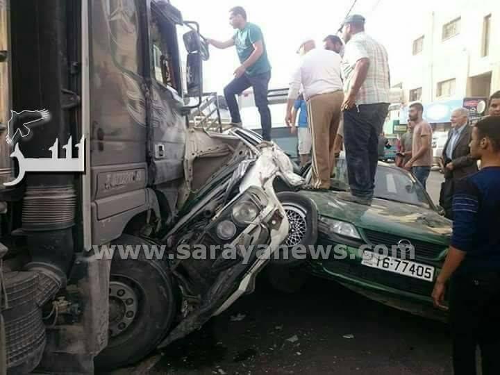 بالفيديو .. سرايا تنشر لحظة تدهور قلاب و اصطدامه ب 27 سيارة في اربد و نجاة سائق من موت محقق