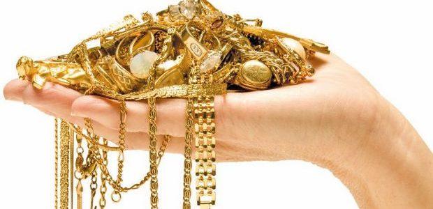 تفسير حلم إعطاء المجوهرات في المنام