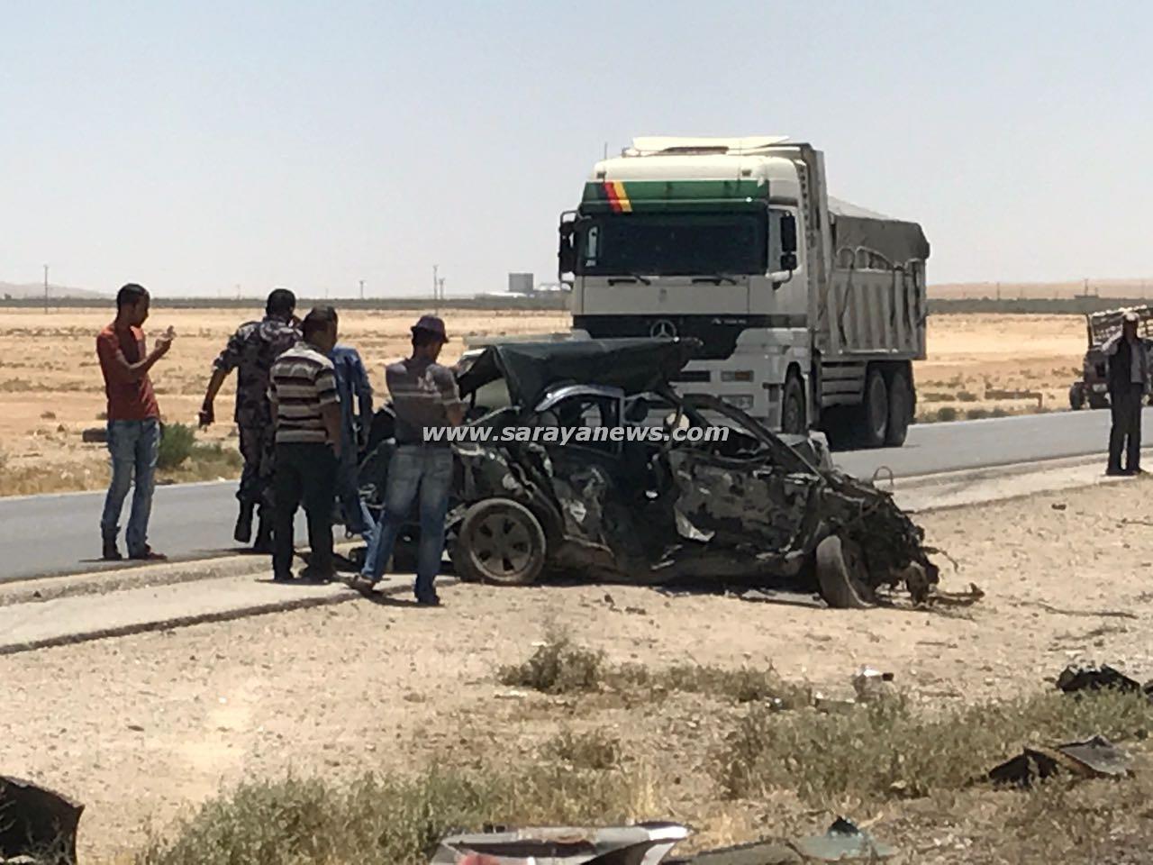 بالصور .. (3) اصابات بحادث تصادم  على طريق العقبة