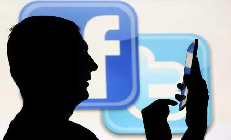 كاليفورنيا تطلب من فيسبوك وتويتر الكشف عن ممولي الإعلانات السياسية