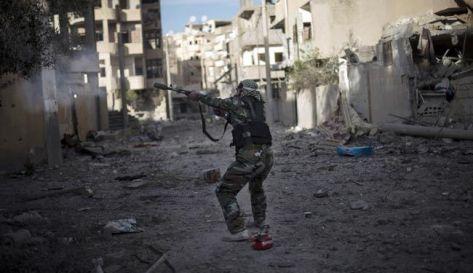 اردني يترك جامعته و يسافر بقسطه الدراسي للقتال في سوريا