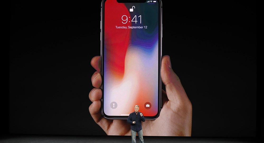 """قبل إعلانها الرسمي في سبتمبر ..  """"آبل"""" تكشف بالخطأ عن هواتفها الجديدة"""