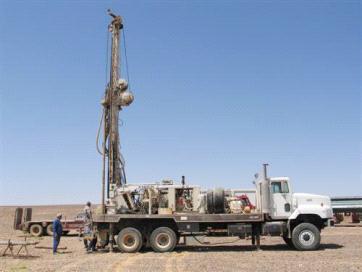 """""""الرأي والتشريع"""" ينشر مشروع قانون التنقيب عن النفط في الصفاوي والجفر ووسط المملكة"""