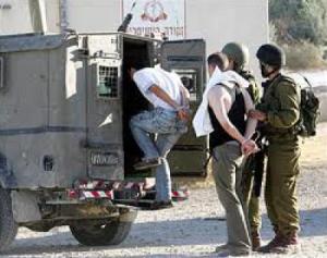 بالاسماء .. الاحتلال يعتقل 12 مواطنا في الضفة الغربية