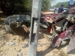 وفاة شخصين وإصابة خمسة آخرين بحادث تصادم على الطريق الصحراوي