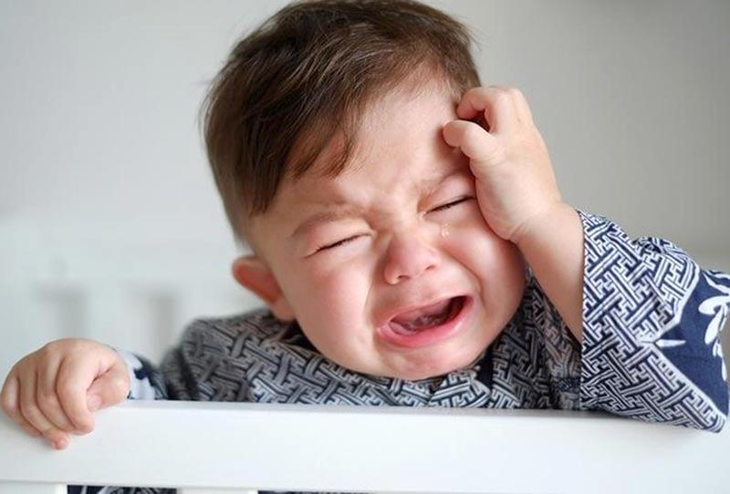 الصداع عند الأطفال: العلامات والأسباب والعلاجات