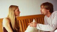 كيف تتعاملين مع فضول زوجك؟!