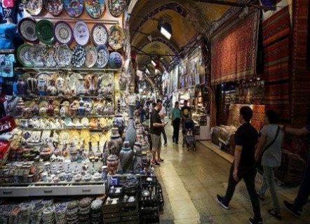 بالصور ..  تعرف على السوق المسقوف في إسطنبول ..  محال وأزقة عمرها 557 عامًا