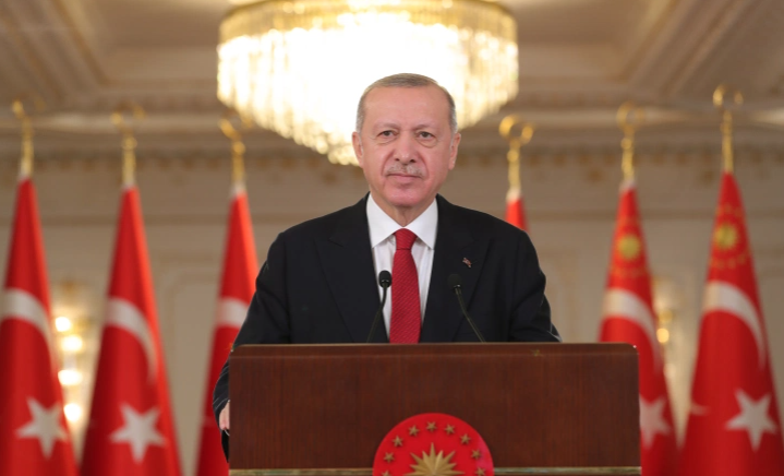 """بالفيديو  ..  أردوغان يعلن نجاح إطلاق أول صاروخ """"جو جو"""" محلي الصنع و عبارة """"ما شاء الله"""" حاضرة"""