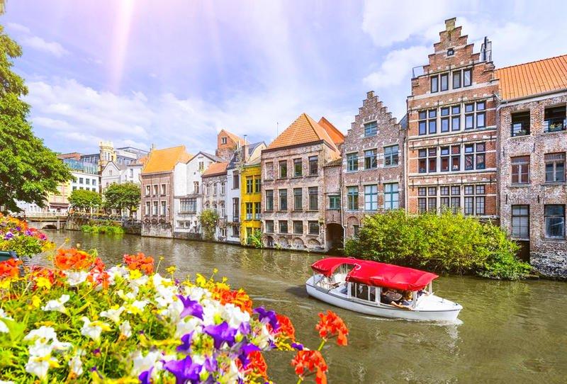 بالصور  ..  أشهر 8 أماكن سياحية فى غنت البلجيكية