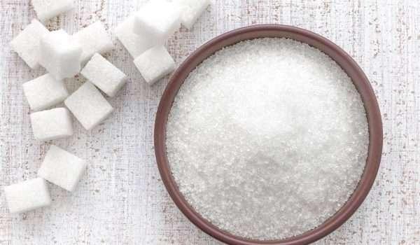 الإفراط في تناول السكريات قد يعرضك للكثير من الأضرار