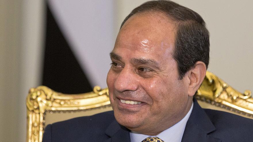 البرلمان المصري يوافق على رفع مدة الرئيس إلى 6 سنوات