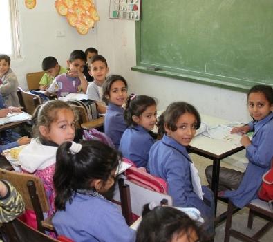 """""""سرايا"""" تدق ناقوس الخطر  ..  نقابة المعلمين تتخذ من أبنائنا رهائن لتحقيق مطالبها"""