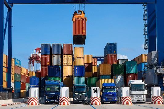 الحكومة توافق على تاسيس شركة مساهمة خاصة لدعم التصدير