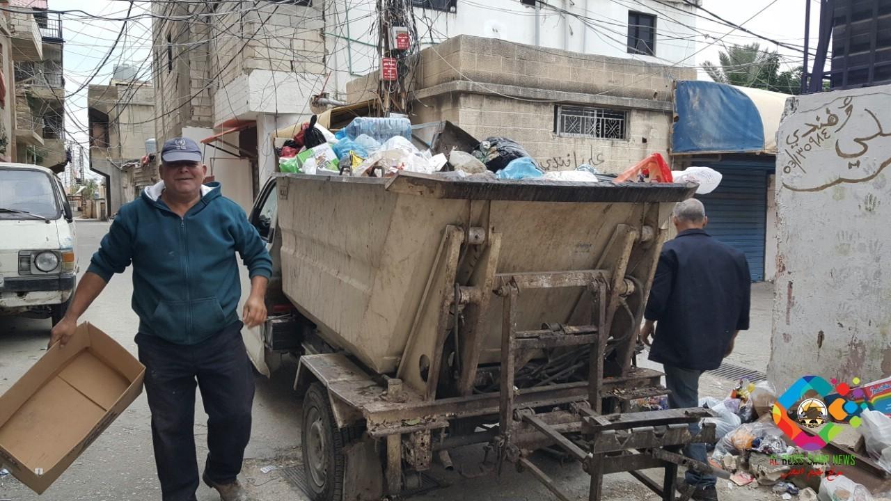 مبادرة لتنظيف مخيم للاجئين الفلسطينيين في بيروت بمشاركة 100 متطوع