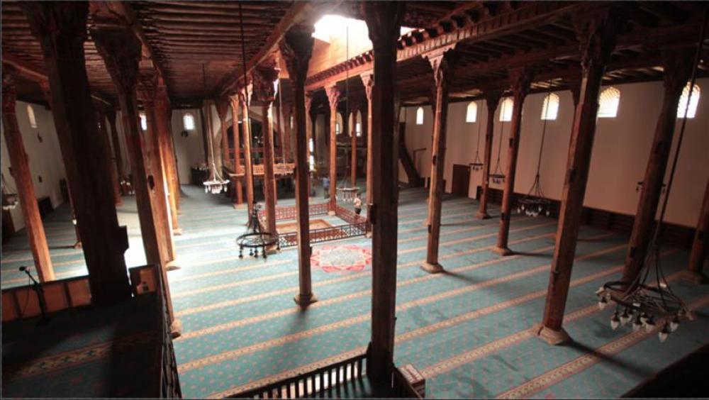 بعد 79 يومًا من إغلاقها ..  الأردنيون يعمرون المساجد بصلاة الجمعة
