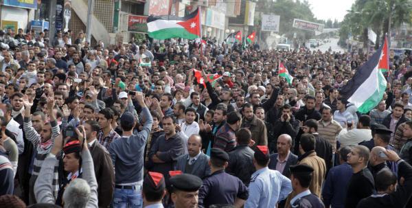 إربد: مسيرة تطالب بوقف اتفاقية الغاز من إسرائيل