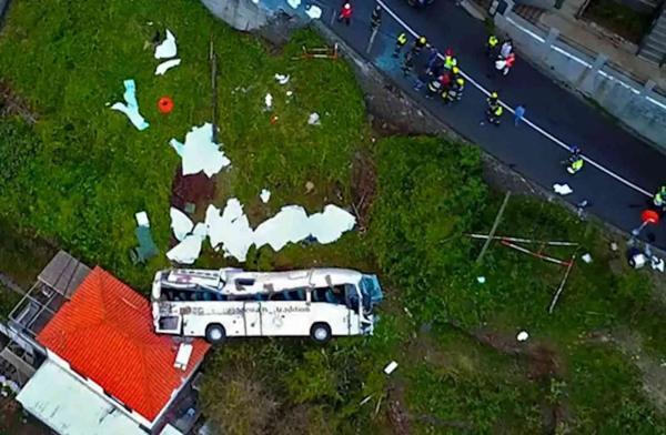 إصابة 28 شخصاً جراء انقلاب حافلة سياحية في النمسا