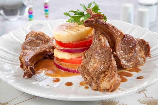 مائدة رمضان  ..  ريش الغنم مع البطاطا