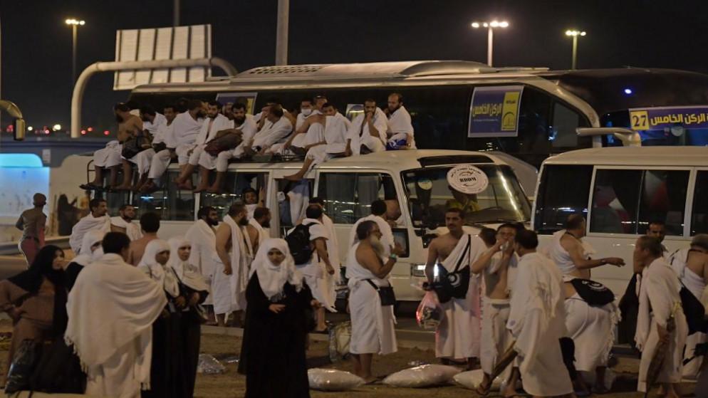وزارة الأوقاف تعيد رسوم التسجيل للحج بعد اقتصاره على مقيمي السعودية