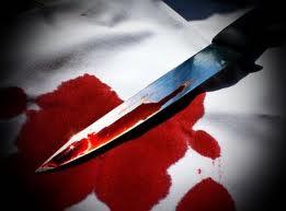 مخمور يقتحم منزل و يقتل شخص امام زوجته في بلدة النعيمة