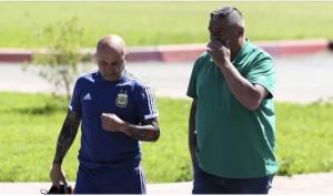 حبل المشنقة يلف عنق سامباولي بسبب لاعبي منتخب الأرجنتين