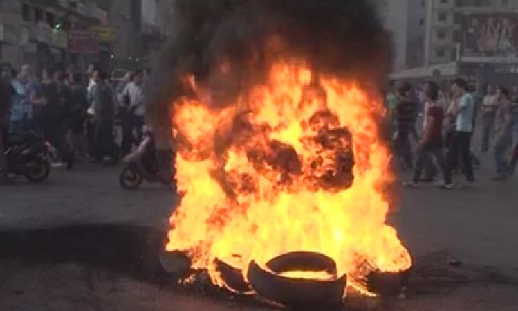 اربد: اشعال اطارات في دوقره احتجاجا على انقطاع المياه